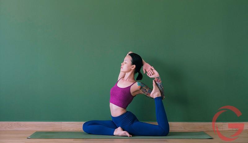 tập yoga chữa đau lưng