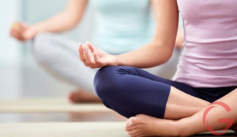 Đau lưng có tập yoga được không